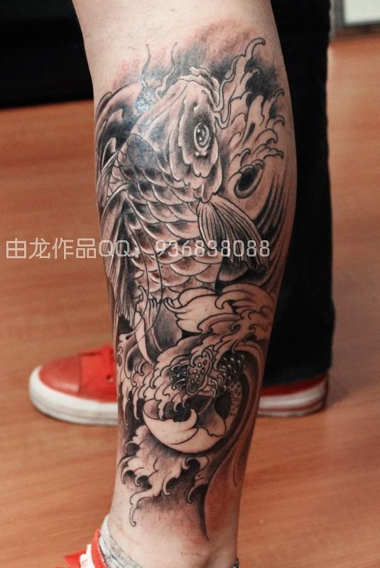 由龙纹身作品鲤鱼包小腿纹身图案
